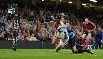 Guinness PRO12, Millennium Stadium, Wales 25/4/2015 Cardiff Blues vs Ospreys Ospreys' Dan Evans scores his side's first try Mandatory Credit ©INPHO/Craig Thomas